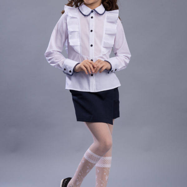 8 Blouse Lidia 18108 Split skirt Anita 17302